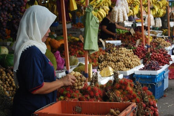 Malaysia Fruit Stands-Woman Owner
